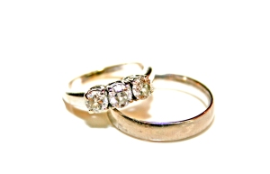 Wedding_rings_photo_by_Litho_Printers